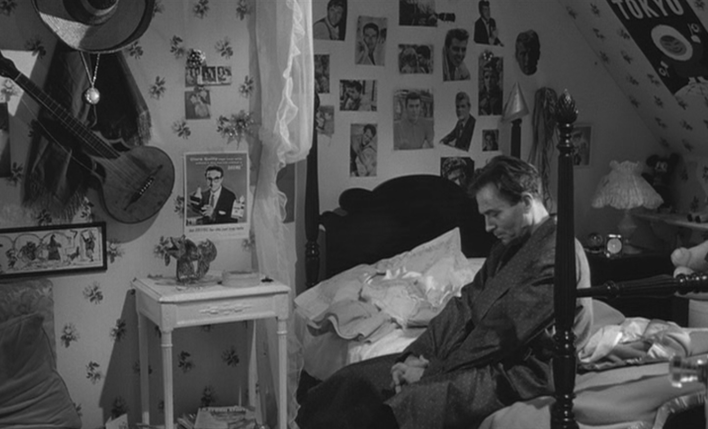 a movie analysis and criticism of stanley kubrics lolita Indeed, the next few kubrick movies, until lolita (1962), mark a  taylor, sybil, &  ruchti, ulrich, stanley kubrick, director: a visual analysis,.
