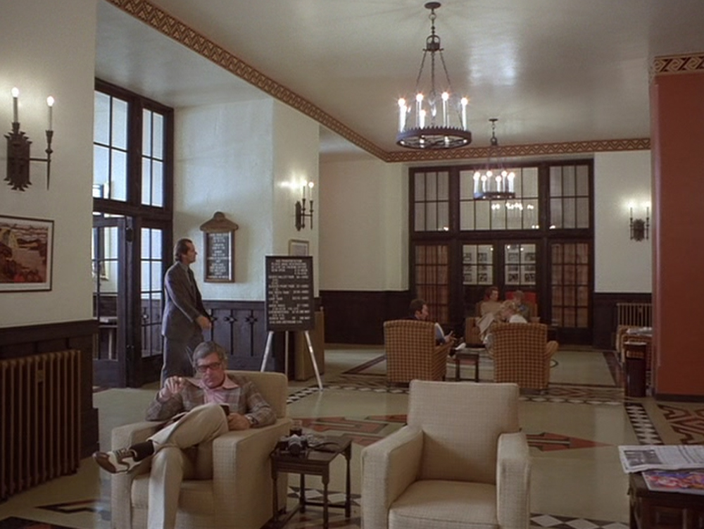 Analysis of kubrick 39 s the shining the interview for Overlook hotel decor